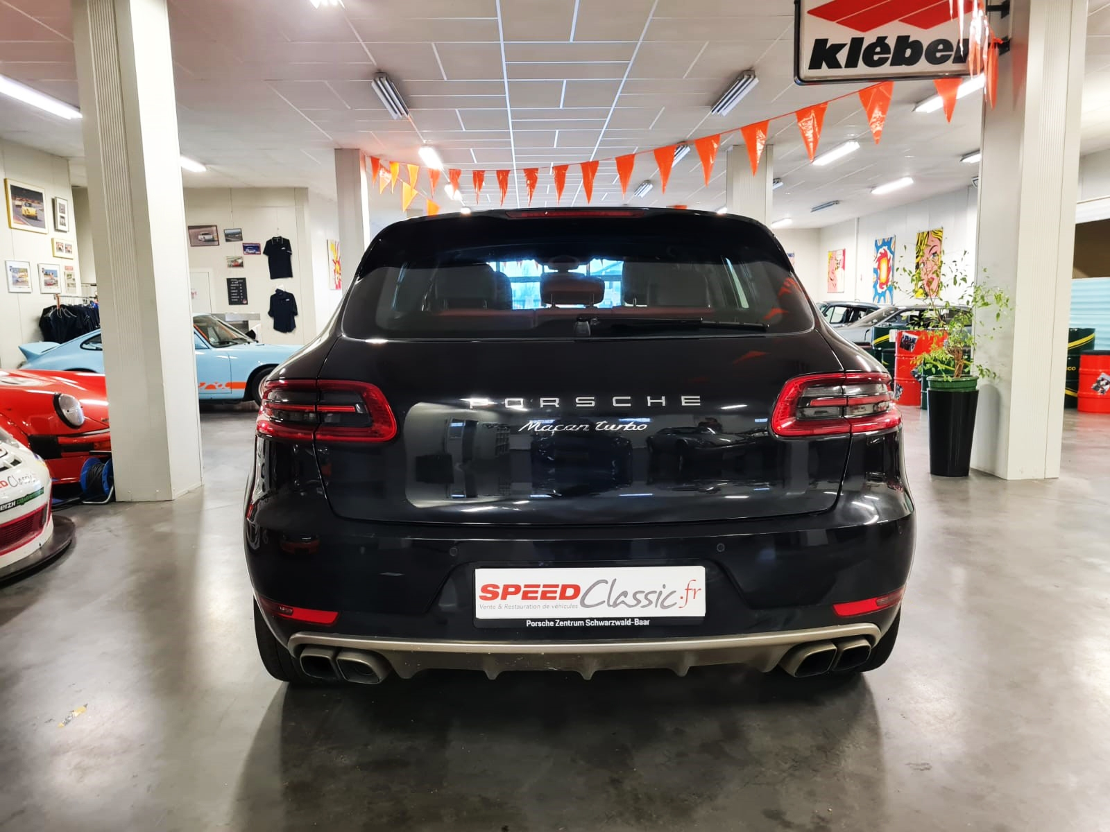 Macan-Turbo-2